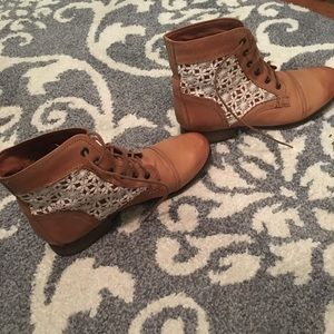 Steve Madden crochet lace up boots